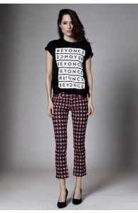 BEYONCÉ REPEAT LOGO BLACK TEE - £23,93 (276,90 kr). #Beyonce #BeyonceMerchandise #Merchandise #Tee #Tees #Shirt #Shirts #Tshirt #Tshirts #Clothes #Clothing