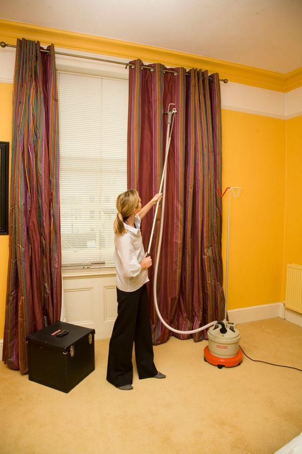 Find Professional Curtain Steaming And Dry Cleaning Service At