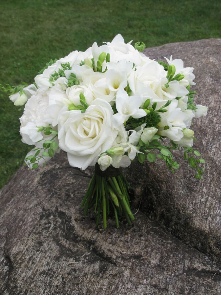 20 best white wedding flowers images on pinterest bridal bouquets wedding bouquets and white. Black Bedroom Furniture Sets. Home Design Ideas