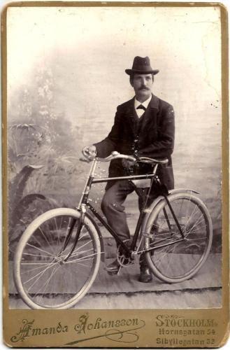 201 best Men,Women, Children & Their Bikes images on Pinterest