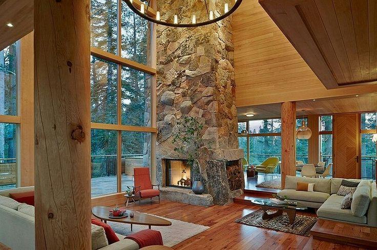 Камин в лесном доме... и нотки модерна