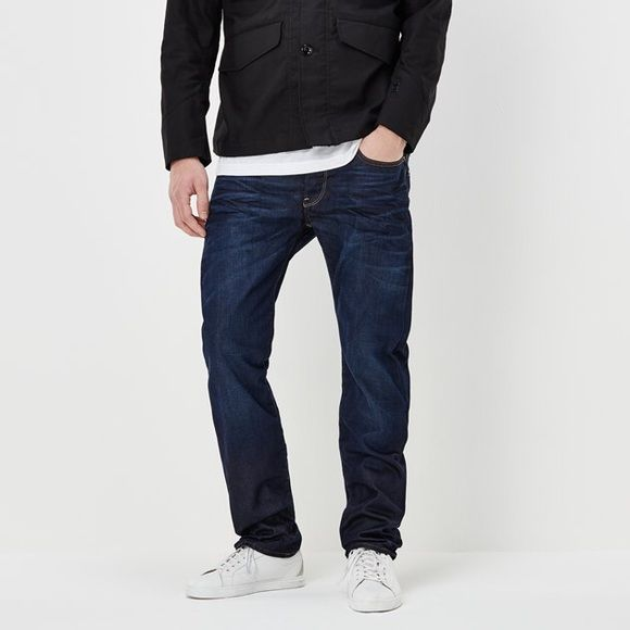 G-Star Raw 3301 Straight Men's Jeans The G-Star 3301 is a style neutral jean with classic 5-pocket construction. Stripped down to its purest form, this essential jean combines authentic details with clean styling. G Star raw 3301 straight. Size 34/34. In great condition! G-Star Pants