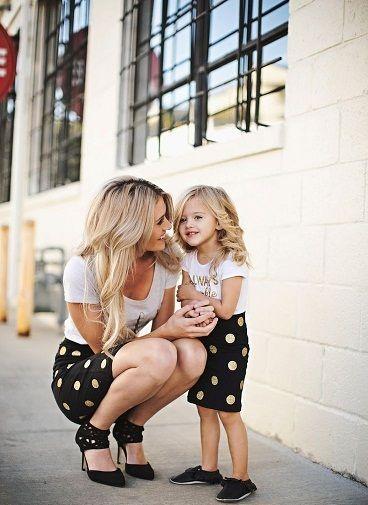 anne çocuk benzer kıyafet modası puanlı siyah etek beyaz üst kız çocuk birlikte kombin kıyafet modeli - Kadın Moda