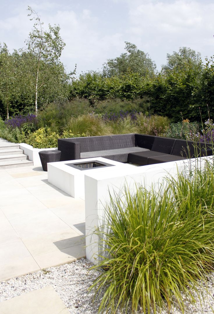 Chic modern garden design in chelsea by declan buckley with steps and - Sunken Contemporary Seating Area In This Naturalistic Garden Design