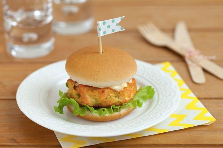 Hamburger di salmone con cipollotto e prezzemolo
