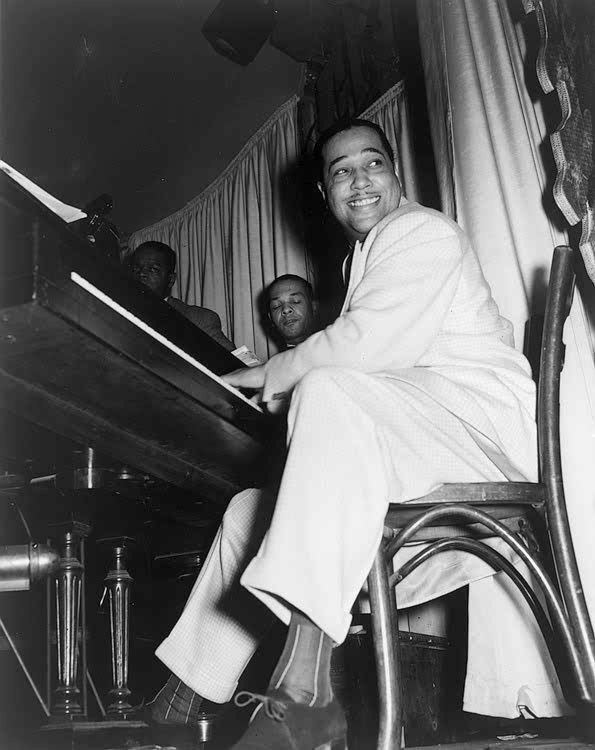 By the 1940s, Duke Ellington's music had transcended the bounds of swing, bridging jazz and art music in a natural synthesis. Description from en.wiki2.org. I searched for this on bing.com/images