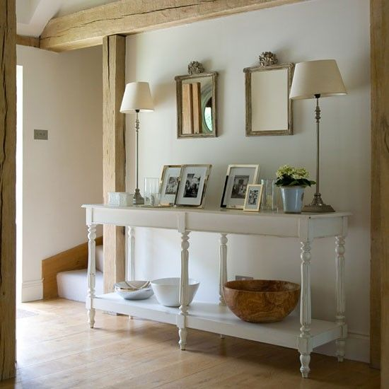 Hall | Buckinghamshire cottage | House tour | PHOTO GALLERY | Country Homes & Interiors | Housetohome.co.uk