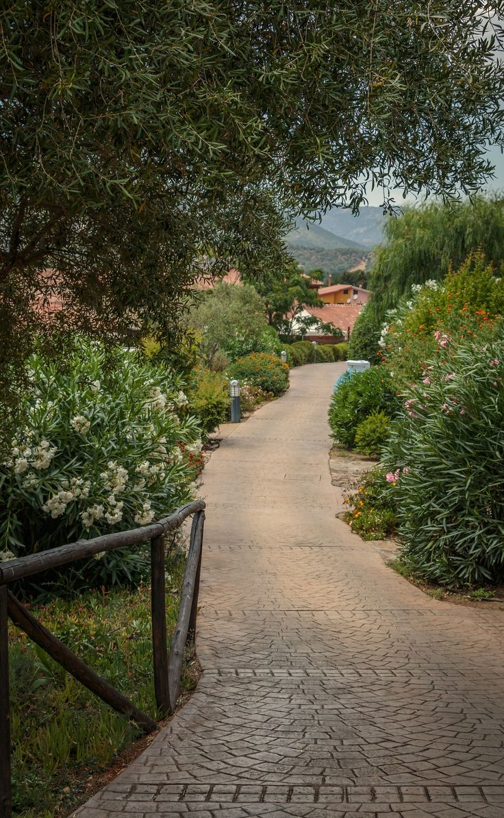 Sardinia hotels, airport, shopping, things to do and all the important information you need to know before you head there.