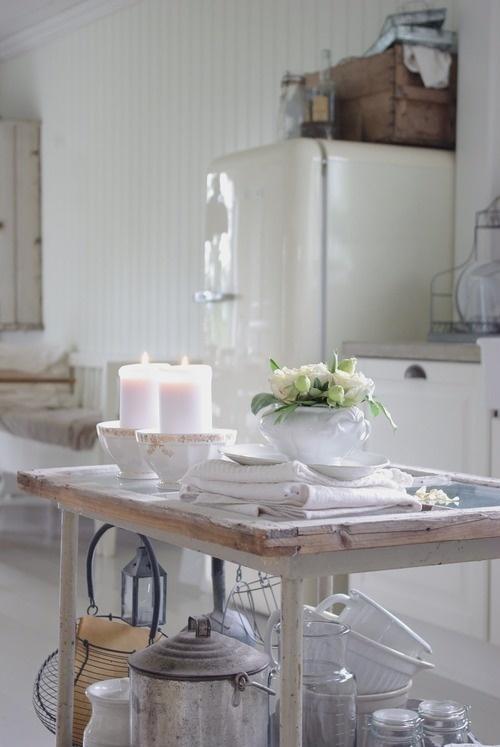 .vintage white fridge
