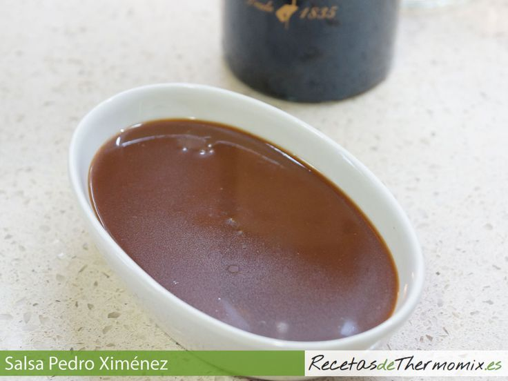 La salsa de Pedro Ximénez es perfecta para acompañar desde carnes hasta postres pasando por foies y pescados debido a su sabor especialmente dulce.