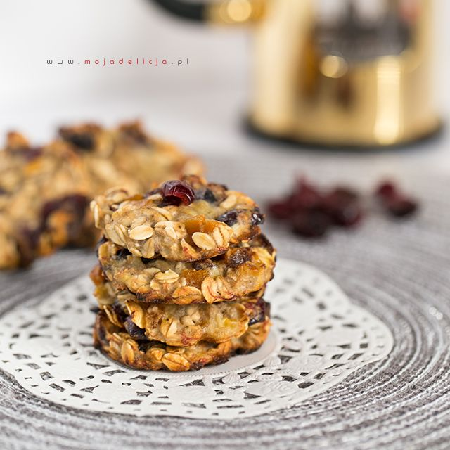 Ciasteczka owsiane FIT z bananem, żurawiną i suszoną morelką – bez cukru, bez mąki, bez tłuszczu FIT oatmeal cookies with banana, cranberries and dried apricots - no sugar, no flour, no fat #food #cookies #healthy #slim