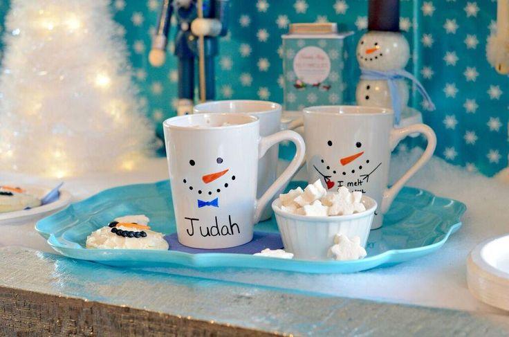 DIY Snowman Sharpie Mug. What a fun teacher's gift!