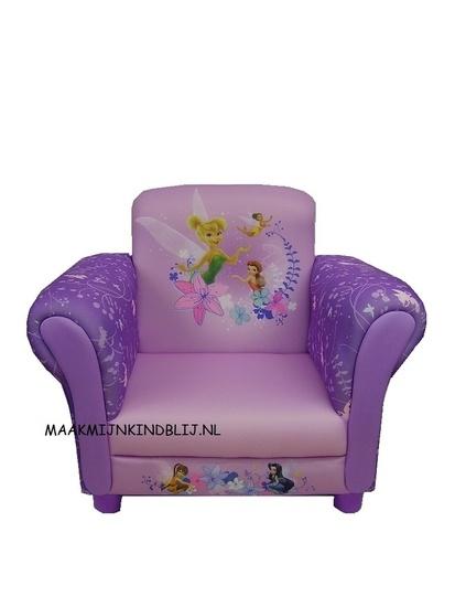 98,- Deze Disney Tinkerbell kinderstoel met leuke afbeeldingen is het pronkstuk in elke Tinkerbell kamer.  Deze gepolsterde stoel is 58cm breed, 42cm diep en 45cm hoog.  zithoogte is 20 cm.