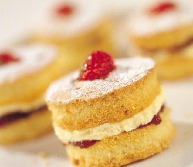 Mini Victoria Cakes
