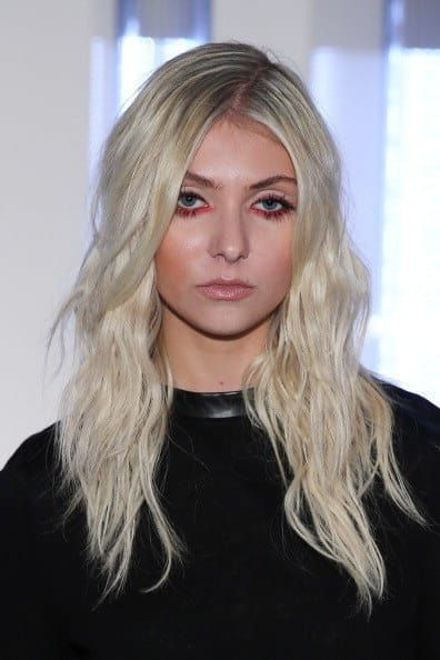 wow taylor momsen looks so much different from when she played cindy-lou in t=how the Grinch stole christmas