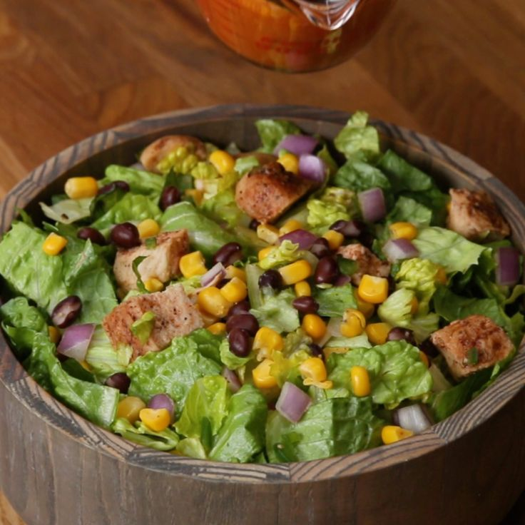 Corn And Chicken Salad #salad #health #peppers #dressing #corn #chicken