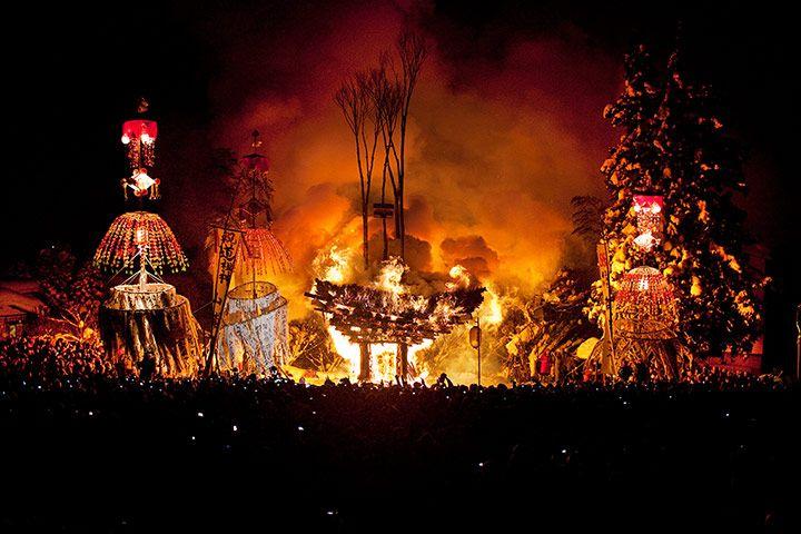 dosojin fire festival / nozawa onsen / nagano / photo: david levene