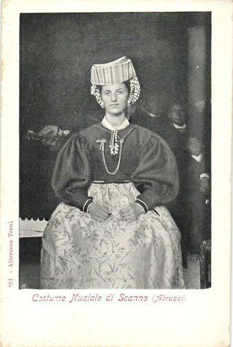 Italy postcard Abruzzi Scanno Bridal costume (161914)