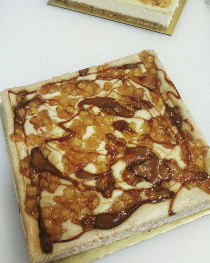 Cheese Cake - Apple & Praline