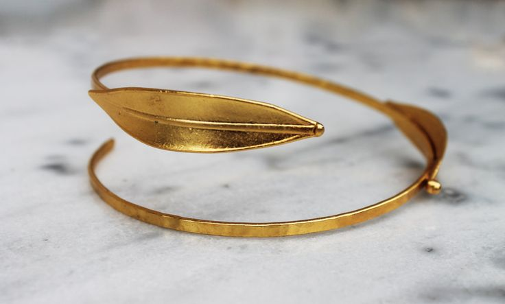 Handmade upper armband/bronze/olive leef/gold-plated/24 carrat by CrownedCharm on Etsy