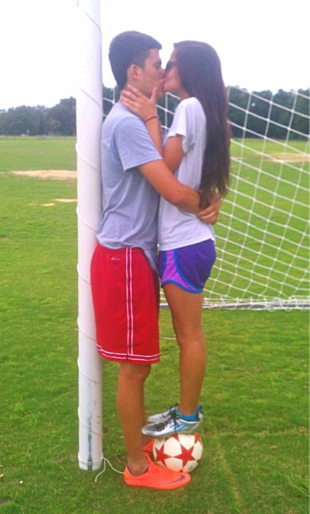 To have a boyfriend who plays soccer... This is so cute... why can't I have this?