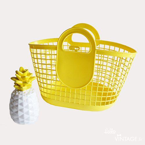 Panier plastique vintage jaune - Hello Vintage Shop - Meubles, objets, decoration, mode, jouets vintage et (re)-creations pour petits et grands enfants