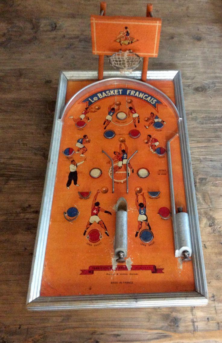 Molto raro e grande gioco da tavolo francese, flipper sul tema del basket. Acquistato in Francia, funzionante di Santalvenerdi su Etsy