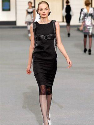 Платья в стиле Коко Шанель: фото и описание маленького черного платья, который в тренде 2015 года