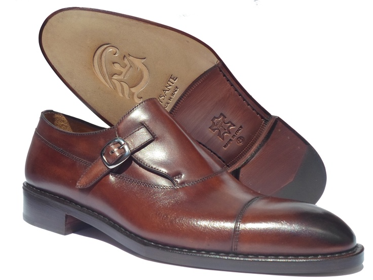 Mod. BUSINESS Deluxe Brown    in brown old-looking calf leather with  mono buckle in charcoal gray.  Sole and heel in hide.