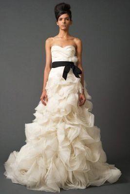 Кэролайн форбс в свадебном платье в картинках