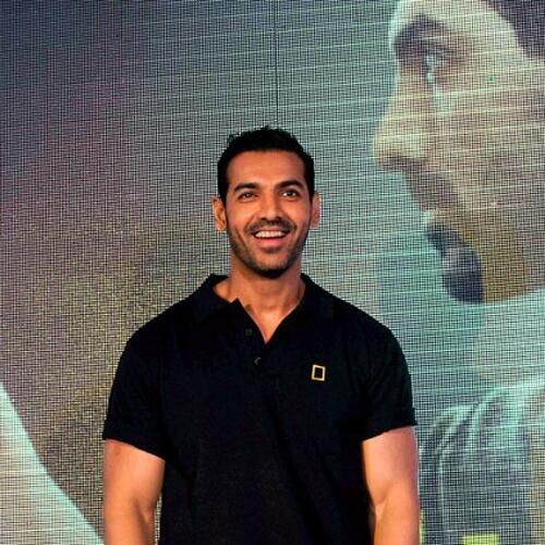 8 Awesome Hilarious 'John Abraham' Tweets, Status Trending On Twitter, Facebook