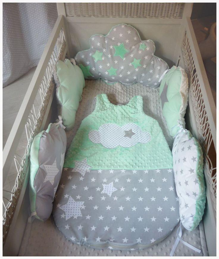 Annonce réservé Tour de lit nuage vert d'eau,menthe et gris thème étoile : Linge de lit enfants par les-petits-gosses-miniatures