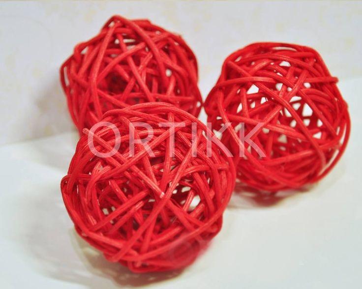 Kulka rattanowa czerwona 5cm. #rattan #dekoracja #ozdoba #decoration #home #christmas #święta #kula #kula #ball
