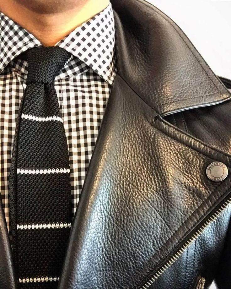 """869 Me gusta, 7 comentarios - The Tie Bar (@thetiebar) en Instagram: """"Not sure what to wear tomorrow? Do like @ejsamson does and pair a knit tie with a standout jacket."""""""
