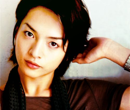 Kis-My-Ft2's Yuta Tamamori has a beautiful commoner girlfriend who looks like Koyuki!!? (Shuukan Josei)