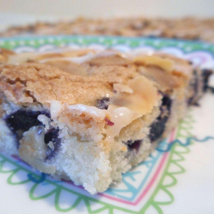 Bosbessen amandel plaatcake / Cake / Recepten | Hetkeukentjevansyts.jouwweb.nl