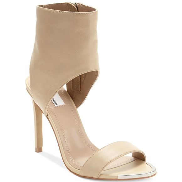 The Blonde Salad x Steve Madden 'Dallas' Sandal Nude leather sandal - Steve Madden and The Blonde Salad collaboration. New condition, only worn once. I'm just not in love with them! Steve Madden Shoes