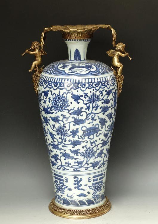 Bronze Mounted Ming Dynasty Chinese Blue and White Porcelain Vase with a Wanli Mark, Size: H*D 46*27cm