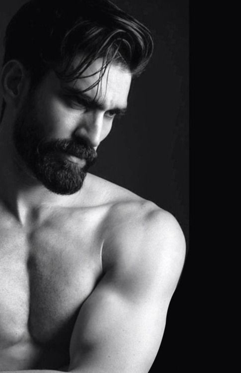 Okay, so you want to grow a beard ~ just once .. Then clean up the neckline, A Perfect neckline
