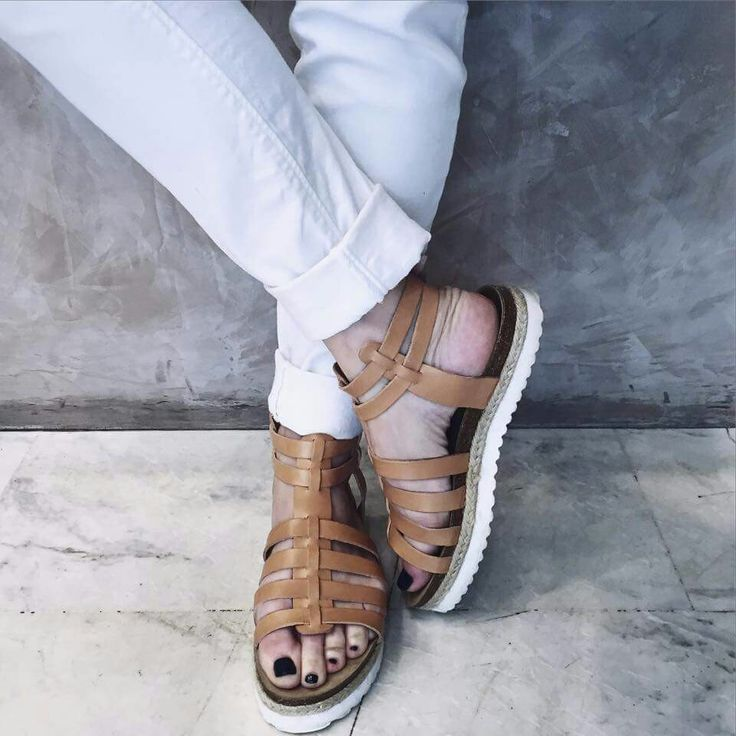 Camel leather.  From Walkme