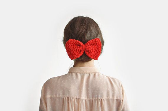 Large Red Hair Bow / Hand Knitted by Plexida on Etsy, €8.00