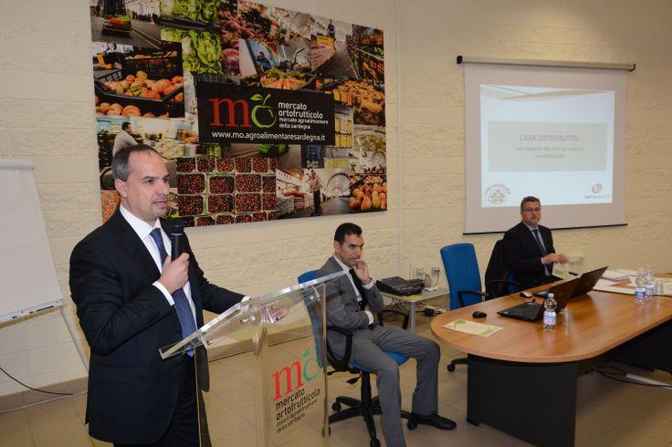 Durante la presentazione è intervenuto il Dott. Giorgio Licheri, Direttore del Mercato Agroalimentare della Sardegna, che ha evidenziato come questo progetto potrà essere un'occasione di rilancio anche per il Mercato e soprattutto un'occasione per generare nuove iniziative e collaborazione tra tutti gli operatori in vista di un obiettivo comune, invertire la situazione negativa di questi anni di crisi per il settore.