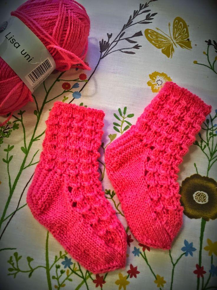 Arkimamman Arkiralli: Mummilta: Vauvan sukat ja töppöset