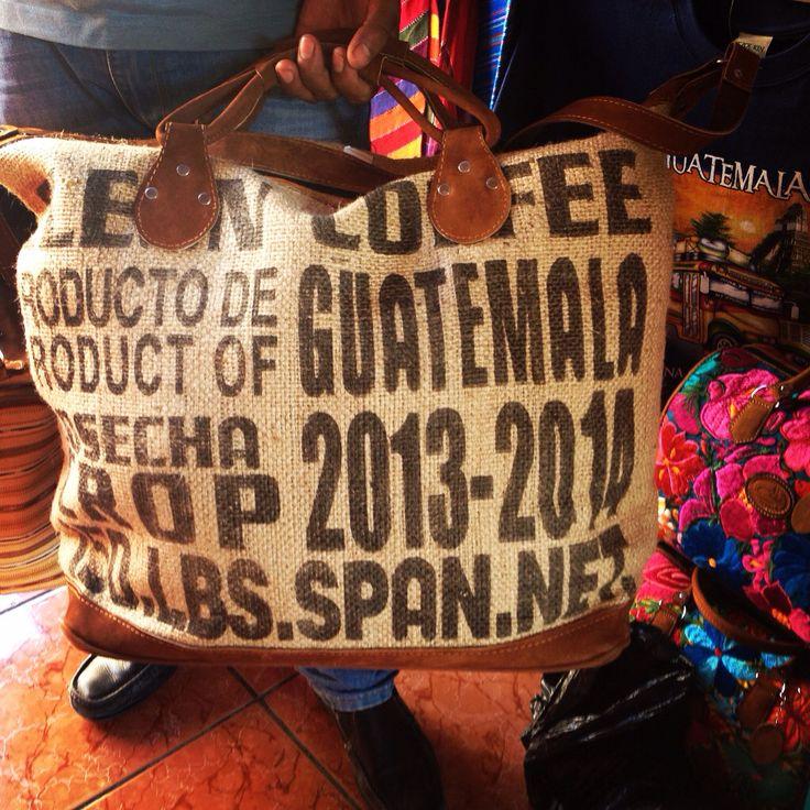 Bolso grande de Cuero con Saco 100% Cuero . Contactarme a : Jgarcia2922@gmail.com