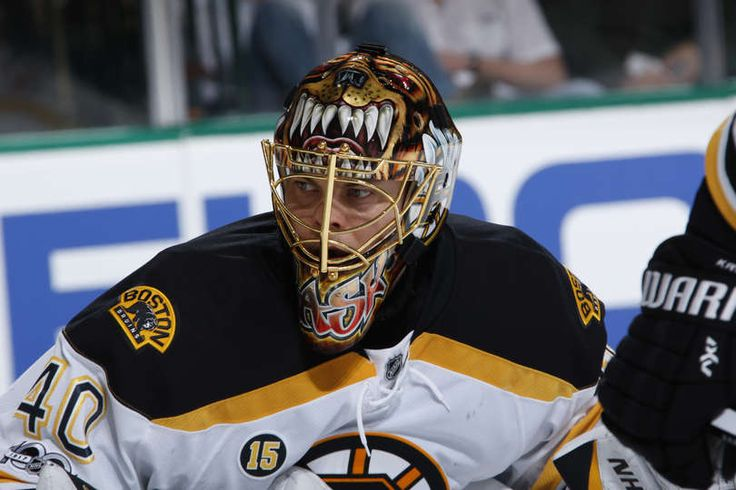 DALLAS, TX - FEBRUARY 26: Tuukka Rask #40 of the Boston Bruins tends goal against the Dallas Stars at the American Airlines Center on February 26, 2017 in Dallas, Texas. (Photo by Glenn James/NHLI via Getty Images)