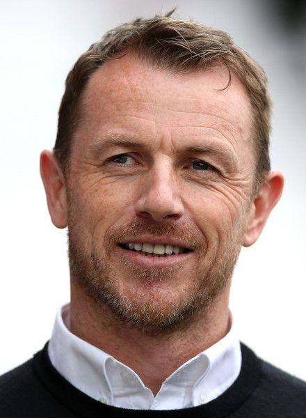 Gary Rowett Photos Photos - Gary Rowett, Manager of Derby County looks on prior to  the Sky Bet Championship match between Brentford and Derby County at Griffin Park on April 14, 2017 in Brentford, England. - Brentford v Derby County - Sky Bet Championship