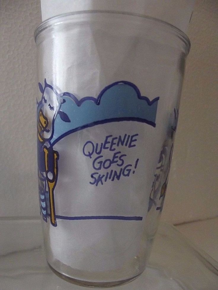 Vintage 1960s Queenie Cow Goes Skiing Penn Maid Sour Cream Glass Tumbler Brocton