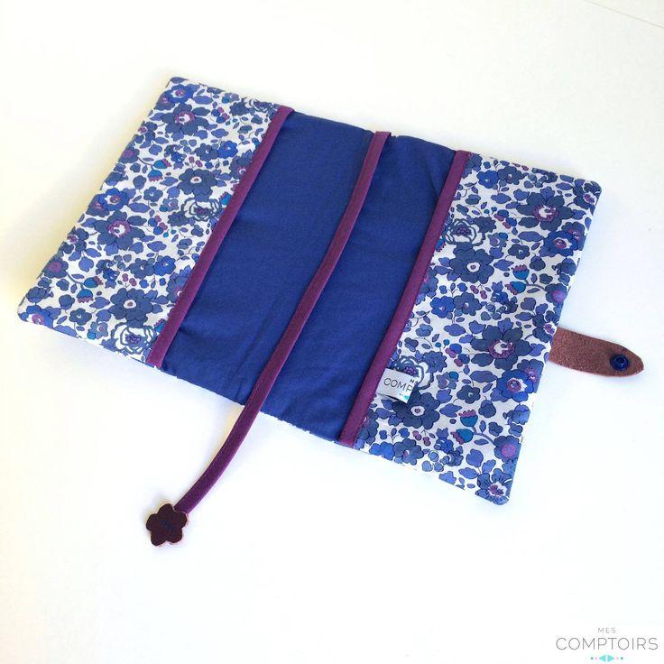 Protège carnet de santé Mes Comptoirs bleu et mauve (tissus liberty Betsy)  SUR COMMANDE // PERSONNALISABLE // BRODERIE EN OPTION