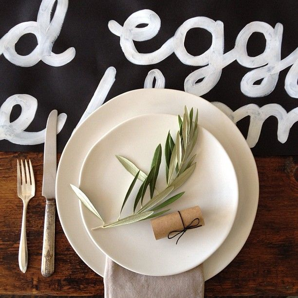[sunday suppers] table setting   paper goods by erin jang: Co Creative Ideas, Table Settings, Style, Place Setting, Olive Branches, Wedding, Ideas Para, Photo