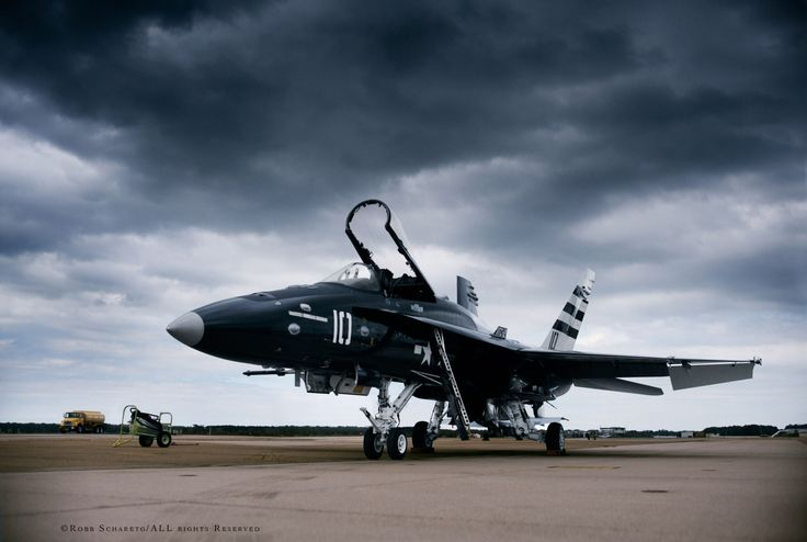 U.S. Navy | Boeing (McDonnell Douglas) F/A-18A+ Hornet | VFA-204 River Rattlers painted as 1950s Navy Reserve Corsair as part of the Centennial of Naval Aviation Heritage Paint Project (CoNA)